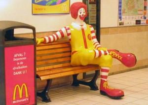 Ronald_McDonald_sitting